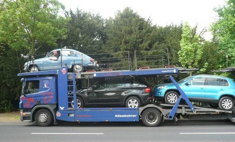 Загрузка авто на автовоз в Москву из Кёльна. Раритетный авто из Италии, Германии.
