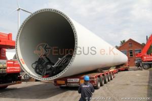 загрузка башни ветрогенератора на низкорамник eurogus