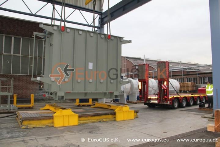 Подготовка к загрузке трансформатора на спецтранспорт