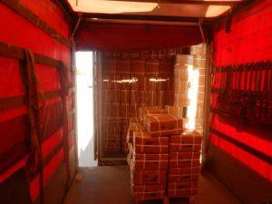 перегрузка из контейнера в мега трайлер