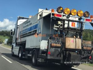 прицеп для дорожных работ доставка дорожной техники на базе авто MAN из Германии в Казахстан eurogus