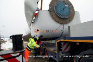 загрузка гондолы на низкорамник, ветряк из европы eurogus