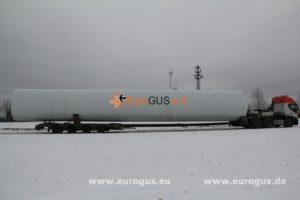 негабаритная часть трубы ветрогенератора загрузка на спецтранспорт из германии eurogus