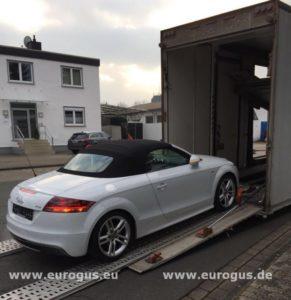 загрузка ауди тт в крытый автовоз в Германии для транспортировки в москву, eurogus